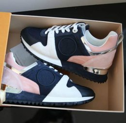 Wholesale Chocolates Boxes - 2018 NEW Luxury brand leather casual shoes Women Designer sneakers men shoes genuine leather fashion Mixed color original box