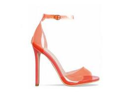 Sandálias de laranja bomba on-line-Laranja Amarelo Claro PVC Stiletto Heels Mulheres Sandálias Tira No Tornozelo Fivela Mulheres Bombas Peep Toe Cut-Outs Sapatos de Salto Alto