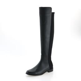 Argentina Moda Tight tacón plano para mujer Botas sobre la rodilla Cómodos otoño invierno Zapatos de estilo Roma de cuero genuino cheap tight boots Suministro