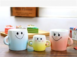 Wholesale ceramic coffee mug sets - Ceramic Mug Parent-child Hand In Hand Cup Set Hand-painted Smiley Face Coffee Cup With Handgrip 2018 white Gradient Trendy Home Drinkware