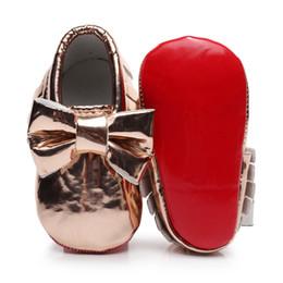 Boys baby patent shoes on-line-Big Bowknot couro de patente borla bebê mocassins fundo vermelho primeiros caminhantes para 0-24M meninos / meninas / crianças / bebês / bebês sapatos