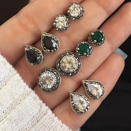Bianco abbagliante online-Moda 5 paia di orecchini con orecchini di cristallo blu abbagliante, bianco e nero. Spedizione gratuita