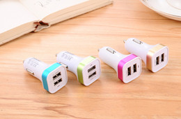 câbles plus légers Promotion Chargeur de voiture pour téléphone portable LDNIO utilisé via une fente pour allumeur de voiture, vendu avec câble de téléphone portable pour téléphone portable universel
