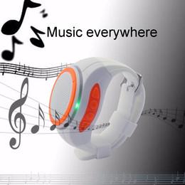 Canada Radio FM montre bracelet bracelet de musique Selfie Portable haut-parleur Bluetooth montre avec appel Bluetooth, TF lecteur mp3 Offre
