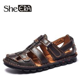 Uomini sandali fatti a mano online-She ERA Handmade Men Sandals Men Leather Shoes Casual Summer Shoes Sandali gladiatore per uomo Calzature Slippers