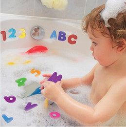 brinquedos de água de espuma Desconto Letra de espuma de bebê e números adesivos adesivos de água Brinquedo crianças crianças flutuante banho chuveiro brinquedo 36pcs (26 letras + 10 números)