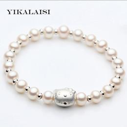 2019 braccialetti di fascino del gattino YIKALAISI 2017 Braccialetto di fascino Braccialetto di perle Hello Kitty Braccialetto 100% naturale perla d'acqua dolce Per le donne braccialetti di fascino del gattino economici