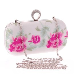 Wholesale Traditional Handbags - China Traditional Embroidery Evening Party Bag With Tassel Decoration Cheongsam Handbag For Women 88 BS88