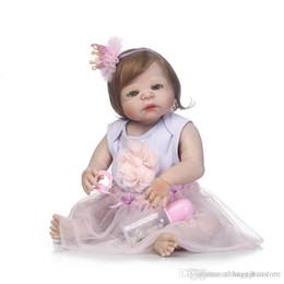 Muñecas para niña de 12 años online-Al por mayor-56cm de silicona completa Muñeca Fibra de pelo de bebé realista Muñeca Bebe Bebe Reborn Toy Kids Fashion Toy Niños de Año Nuevo regalo de cumpleaños