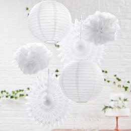 sagome di poltrone usate Sconti Lanterne di carta bianca Fans Palline di fiori in tessuto Decorazione di nozze Lampade cinesi Festa di casa Giardino Decorazione di nozze