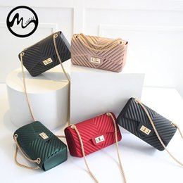 Sacchetti di spalla di silicone della gelatina online-MINCH Fashion Summer Female Chain Jelly Bag Donna Mini Flap Bag in pelle PU Frizione Casual Borse a tracolla in silicone