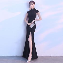 2018 Negro Cheongsam Sexy Qipao Vestidos largos chinos tradicionales Vestido de seda oriental Tienda de ropa China Robe Chinoise Soie desde fabricantes