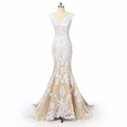 Champagne Lace Mermaid Abiti da sposa 2018 Illusion Back Cap maniche da sposa abiti da sposa Sexy abito da sposa da