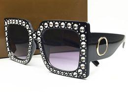 construir lentes Desconto Mulheres 0145S Luxo Óculos De Sol Grande Quadrado Quadro Elegante Design Especial Com Strass Diamante Quadro Lente Circular Embutida Com Caso