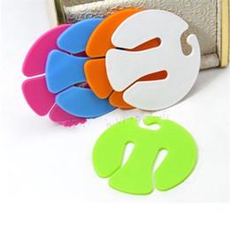 Calzini in plastica online-Colorful Sock Clips Round plastica ordinatori titolari portatile facile da trasportare calze Organizzatori Vendita diretta in fabbrica 0 5fy BB