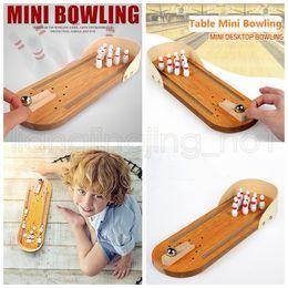 mini-bowlingspielzeug Rabatt Holz Mini Bowling Ball Spielzeug Tisch Desktop Mini Bowling Spiel Set Familie Kinder Geschenk lustige Spielzeug Kinder lernen Bildung Spielzeug Geschenk FFA1304