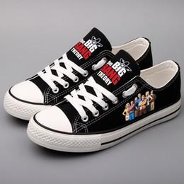 cc70a2d94 Hip Hop dos homens Casuais Sapatos de Caminhada Plana Personalizado Projeto  Dos Desenhos Animados Estrela de Cinema Impresso Sapatos de Lona Tenis Preto  ...