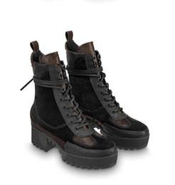 Combate de caja online-Nuevas botas cortas de invierno con botas de tacón alto de Martin. Plataformas de cuero. Locomotoras de suela gruesa. Combat + box para mujer.