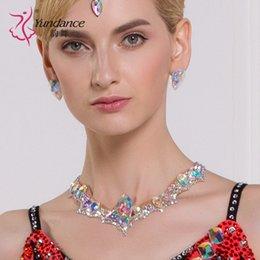 2019 accessori latini Lady Modern Dancing Neckties Girls Standard National Necklines Diamonds Accessori latini Collana danza femminile Wear B-6590 sconti accessori latini