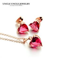 Colgante de iluminación de oro rosa online-Sweet Rose Gold Color Light Red Zirconia Setting Estilo en forma de corazón Simple Lady Pendant Jewelry Set Collar / Pendiente al por mayor
