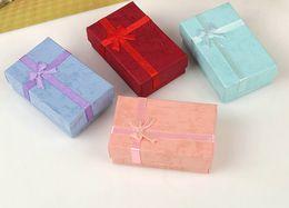 schmuckkästen verpacken samt Rabatt 5 * 8 * 2,5 cm Hochwertige Mode für Charms Perlen Geschenkbox Verpackung für Anhänger Halsketten Ohrringe Ringe Armbänder Schmucksachen Freies verschiffen