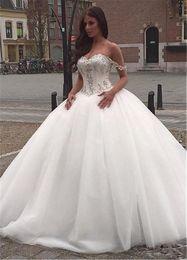 Canada Robes de mariée en cristal perlées de perles superbes sur l'épaule en dentelle Applique Tulle blanc Plus la taille Corset robes de mariée supplier off white corset wedding dress Offre