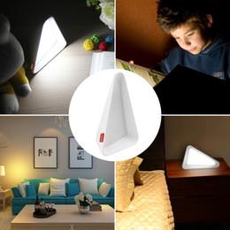 Современные настольные лампы LED флип-лампа USB зарядка настольная лампа прикроватная настольная лампа защита глаз затемнение Ночной свет для чтения от Поставщики дети йо-йо