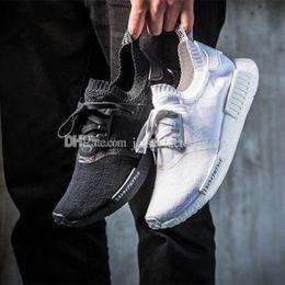 Wholesale Designer Sneakers Shoes Women - New NMD R1 R2 Tri-Color Primeknit Triple Black White Japan BZ0220 BZ0221 Nmds PK Mens Running Shoes for men Women sneakers designer shoes