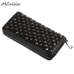 Portefeuilles punk rock en Ligne-Rivet nouveaux portefeuilles pour femmes Punk Rock Designer Vintage Leather Purse Simple Zipper Wallet portefeuille dames Sac Clutch Brand Wallet