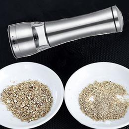 Wholesale Pepper Core - New Stainless steel Pepper grinder Black pepper Pepper pulverized grinder Ceramic core manual grinding bottle T4H0364