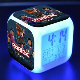 Xmas Glow In Dark Toys Gioco Roblox LED Alarm Clock Light Digital Night Anime Giocattoli elettronici per il regalo di compleanno di Kid Christams Party da