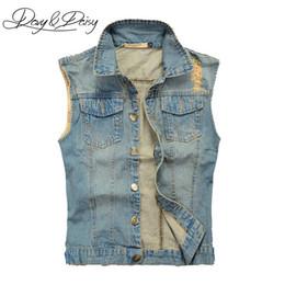 DAVYDAISY Jeans Chaleco Hombres chaqueta sin mangas lavado azul claro Hip  Hop Vintage hombres rasgados Cowboy Casual chaleco de mezclilla DCT-076  chaqueta ... a83ea5452fd