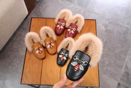 Chaussures douces et confortables en Ligne-NOUVEAUTÉ Comfy kids Plus velours pois coton chaussures Fashion bottes enfants chaud doux bébé chaussures enfants de garçons et filles Bee broderie style décontracté