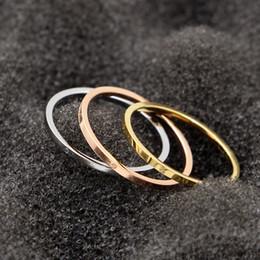 ringfarben Rabatt Drei Farben Hot Verkauf koreanische Version der zwei einfache feine glatte Schraube gedruckt Ring Fingerring weiblichen Schmuck