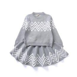 I bambini di ondeggiamento vestono online-Neonate modello Wave abiti per bambini maglieria Maglione + gonne 2 pz / set 2018 Primavera Autunno Boutique adatta bambini Set di abbigliamento C4399