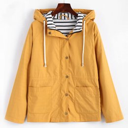 Chaquetas amarillas de invierno para mujer. online-Winter Warm Women Snap Button Stripes Panel Chaqueta con capucha Coat Pocket Patchched Drawstring Basic Outwear Jacket Amarillo