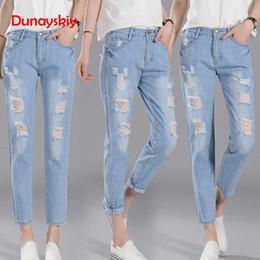 b0606e731b Dunayskiy Blue Loose Plus Size Denim Jeans Femmes Boyfriend Lavé Déchiré  Taille Élastique Trou Streetwear Denim Pantalon Pantalon