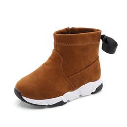 d68a5d09a4 Nuevas botas de invierno para niñas de llegada gruesas botas de tobillo de  nieve casual cálido zapatos niños marrón negro botas cortas niños niñas de  la UE ...