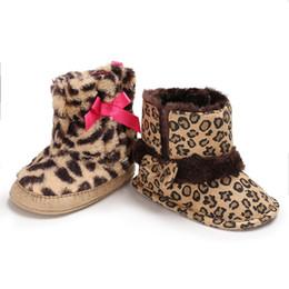 Botas de invierno Cálidas recién nacidas Niñas Princesa Leopard First Walkers Zapatos de suela blanda Niño pequeño Niño Niña Nudo de lazo Calzado desde fabricantes
