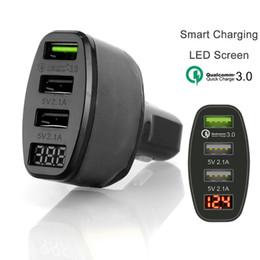 Yeni 3-Port USB 4.2A Araç Şarj Adaptörü iPhone Samsung Ücretsiz Nakliye için LED Ekran Hızlı Şarj nereden