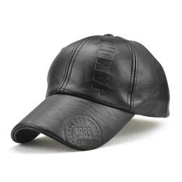 Wholesale snapback plastics - Personality Luxury Designer Brand Vintage Leather Baseball Cap Warm Wind Protection Casual Snapback For Men Hot Sale 14yg ff