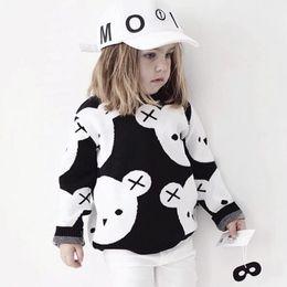 1eba5119f71bd INS hotsale Vêtements Enfants Mignon XO Noir Blanc Ours Pulls Pull pour  garçon filles 2018 Automne Hiver Coton En Gros