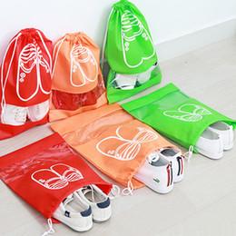 Coprire le scarpe tessuto online-Borse in tessuto non tessuto Borse di stoccaggio Donna Uomo e bambino Copriscarpe antipolvere Borse Borse da viaggio Porta scarpe Borse di stoccaggio