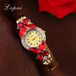 Дешевые часы горный хрусталь онлайн-pai Watches Women Fashion Rhinestone Butterfly Watch Bracelet Watch Wristwatch Cheap Electronic Clock Women Dress Watches