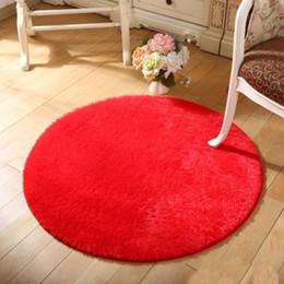 Alfombras rojas para sala de estar online-Pelo largo de piel sintética Sala de estar Alfombra Alfombra Alfombra de piso rojo Alfombras redondas de lana moderna Alfombras para el hogar Yoga Mat