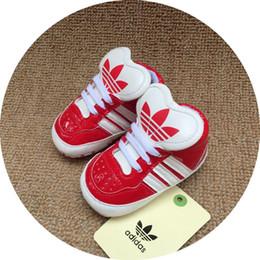 cb66444c55032 2019 vente chaude 5 couleurs avec des étiquettes bébé mocassins PU cuir  enfant en bas âge premier marcheur chaussures à semelle souple filles  nouveau-né ...