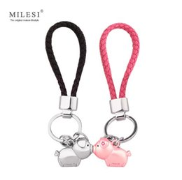 Couple gift items online-Milesi 3D kiss pig couple keychain for Lovers Gift Trinket lovely key holder women present Chaveiro Innovative Items with K0192
