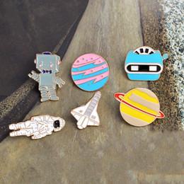 foguete de saco Desconto Pino do esmalte Warfare astronauta foguete robô broche ônibus espacial estrela planta de metal pin Para casacos bag badge acessórios drop shipping