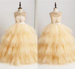 Nuovo arrivo 2019 Flower Girl Abiti di alta qualità Made in rilievo di pizzo Ruffles Tulle Girl Prom Dress Pageant Gown da abiti da sera in giallo perline da bambini fornitori