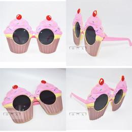 tazze da party divertenti Sconti Cake Cup Modeling Glasses Forniture per feste di compleanno Regalo Funny Ball Prop Articoli Occhiali Moda rosa Alta qualità 9sfa V